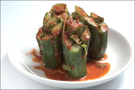 http://3.bp.blogspot.com/_-x7gqq9QJuA/S_37qE0LtzI/AAAAAAAAKeA/q8oaZtakU4w/s1600/100506_p13_cuisine.jpg