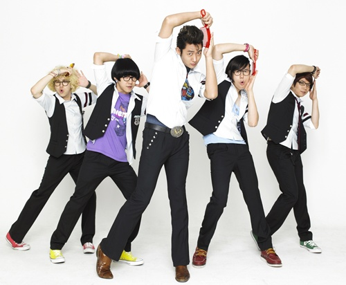 http://3.bp.blogspot.com/_-x7gqq9QJuA/TGSIybwbDnI/AAAAAAAAOws/LIBiAaLpq7s/s1600/Lee-Tae-Sung_Playful-Kiss.jpg