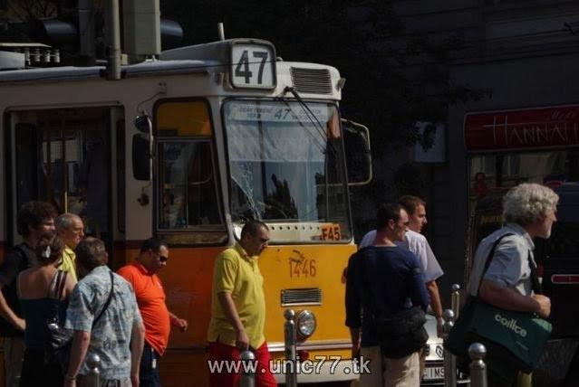http://3.bp.blogspot.com/_-x7gqq9QJuA/TH3DlbreUdI/AAAAAAAAQxY/j3aoEETF6qk/s1600/tramway_vs_hummer_01.jpg