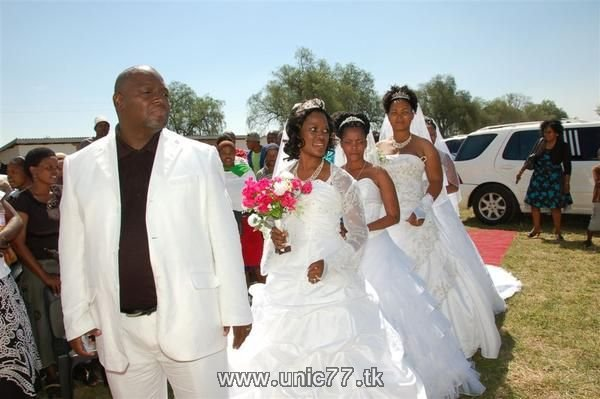 http://3.bp.blogspot.com/_-x7gqq9QJuA/TH9l4LsReiI/AAAAAAAARZY/oDKL6QRskxI/s1600/unusual_wedding_05.jpg