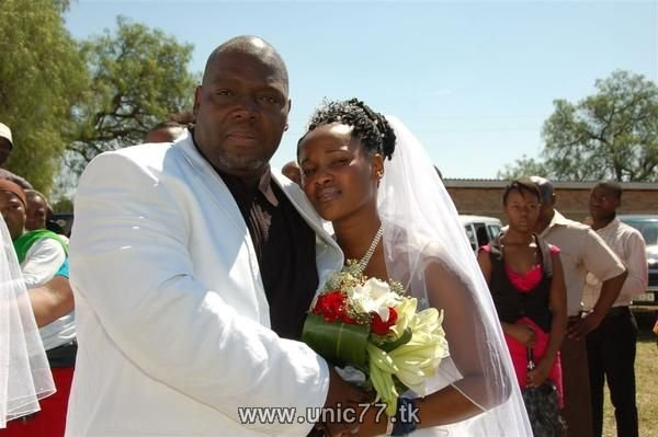 http://3.bp.blogspot.com/_-x7gqq9QJuA/TH9mKigTs4I/AAAAAAAARZw/OU7SgLC0BSk/s1600/unusual_wedding_02.jpg