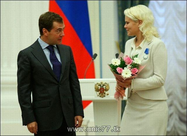 http://3.bp.blogspot.com/_-x7gqq9QJuA/TIBjLT__uXI/AAAAAAAARkA/hoQzT1dk2OY/s1600/russia_president_02.jpg