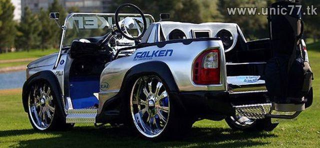 http://3.bp.blogspot.com/_-x7gqq9QJuA/TIHNPVuGp1I/AAAAAAAASSA/9xAdBr9FhHg/s1600/cool_golf_cars_640_11.jpg