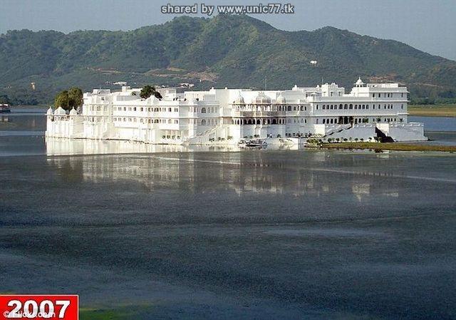 http://3.bp.blogspot.com/_-x7gqq9QJuA/TIcXLHtNQBI/AAAAAAAAUCs/VmJXZ-CXtH4/s1600/india_lake_palace_01.jpg