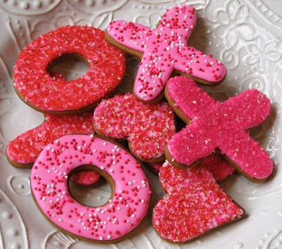 xoxo sprinkles frosting valentines day sugar cookies pink red