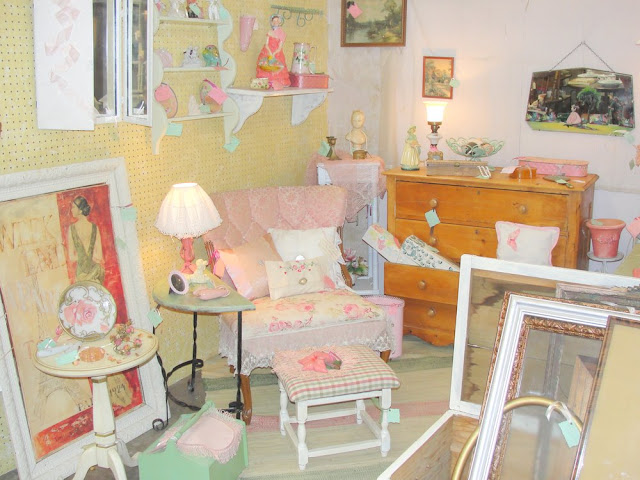 pink,. white, painting, art, frame, girly, cute, pretty, shabby chic, vintage, design