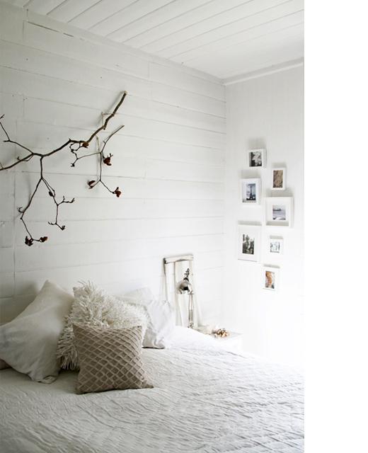 http://3.bp.blogspot.com/_-yWNMWcLo-Q/TSISjmcZ43I/AAAAAAAAHcM/obuD9_73WC8/s640/branch+white+bedroom+Lisa+Madigan.jpg