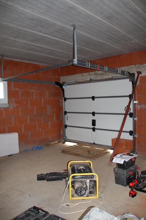autoconstruction de notre maison portes du garage. Black Bedroom Furniture Sets. Home Design Ideas