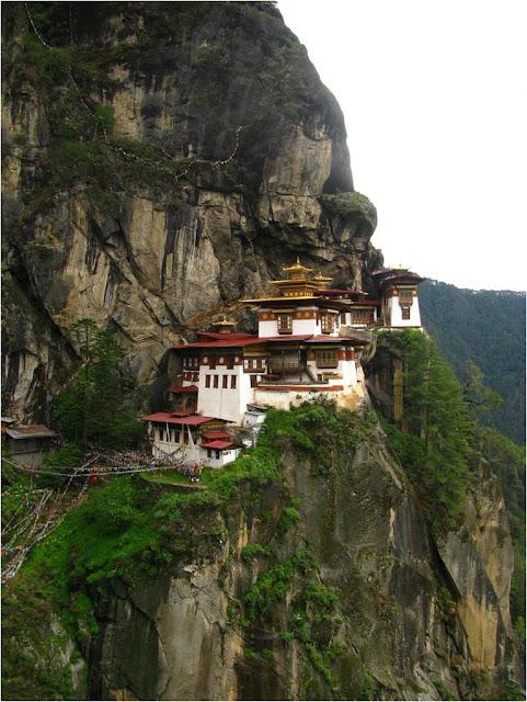 The Amazing Monasteries of Bhutan ~ Kuriositas