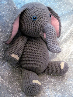 crochet elephant applique - YouTube