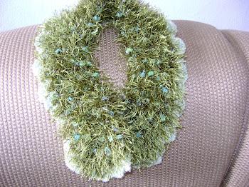 gola verde com acabamento em croche