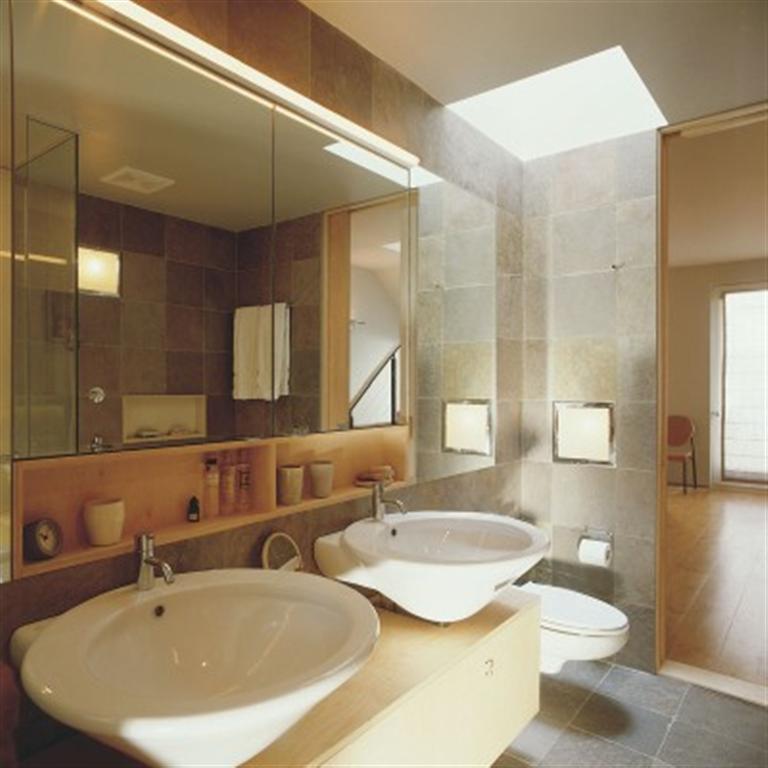 Innovative Bathroomdesigninteriordesigneclecticmodernwhitetile