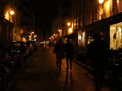 France-Paris-le-Marais-night-walk-tips-travel-on-a-budget