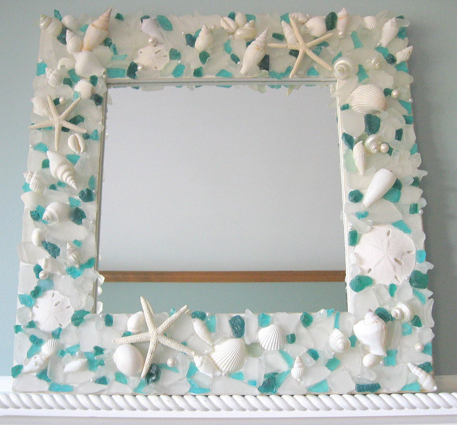 Beachstring cool craft seashell mirror picture frame for Picture frames for crafts