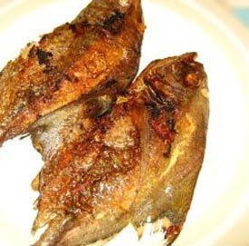 Black Pomfret stuff with Lemongrass spice (Ikan Bawal Goreng Bumbu Serai)