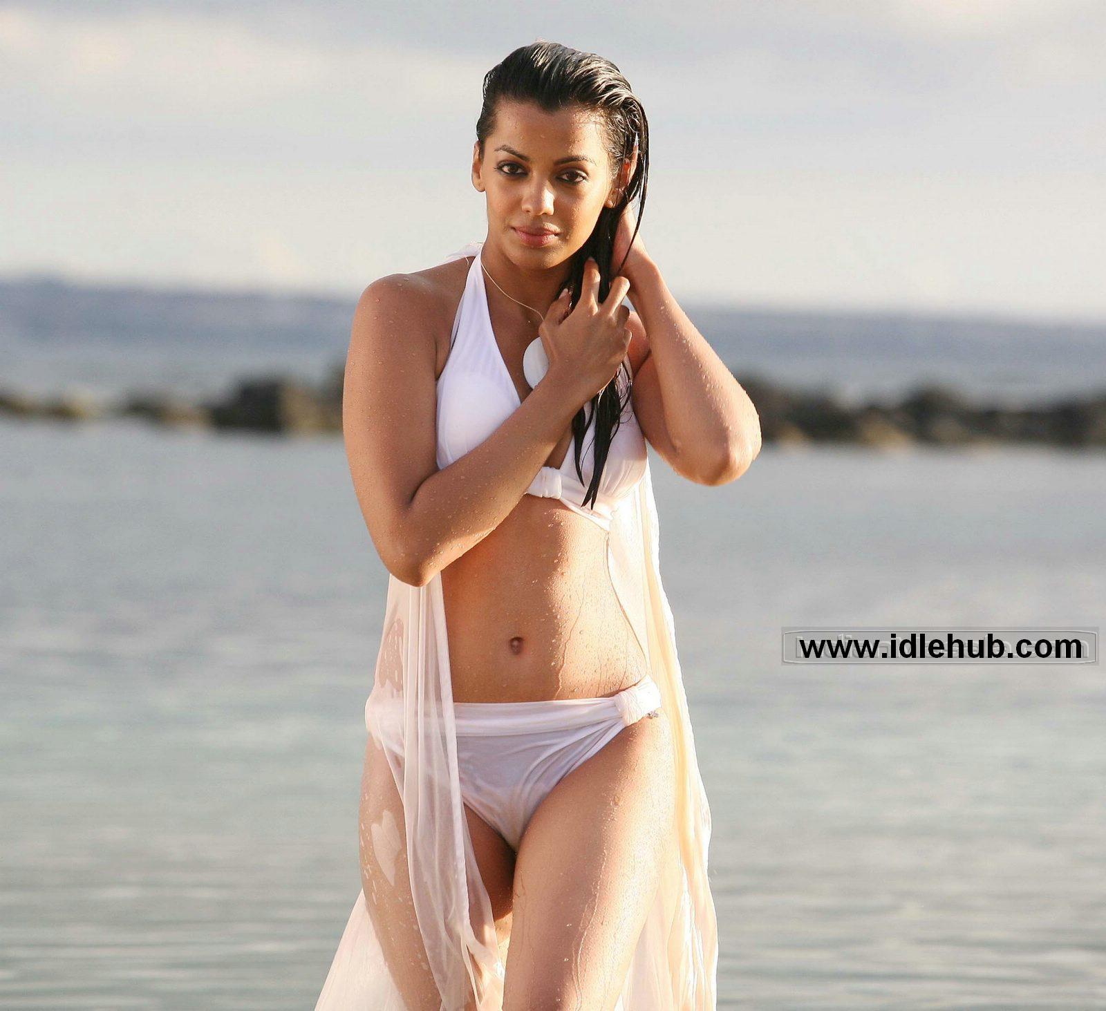 Mugdha Godse super hot bikini Wet sexposure from the film Help