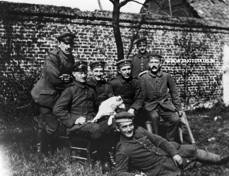 Hitler in the German Army, 1914, sitting at right