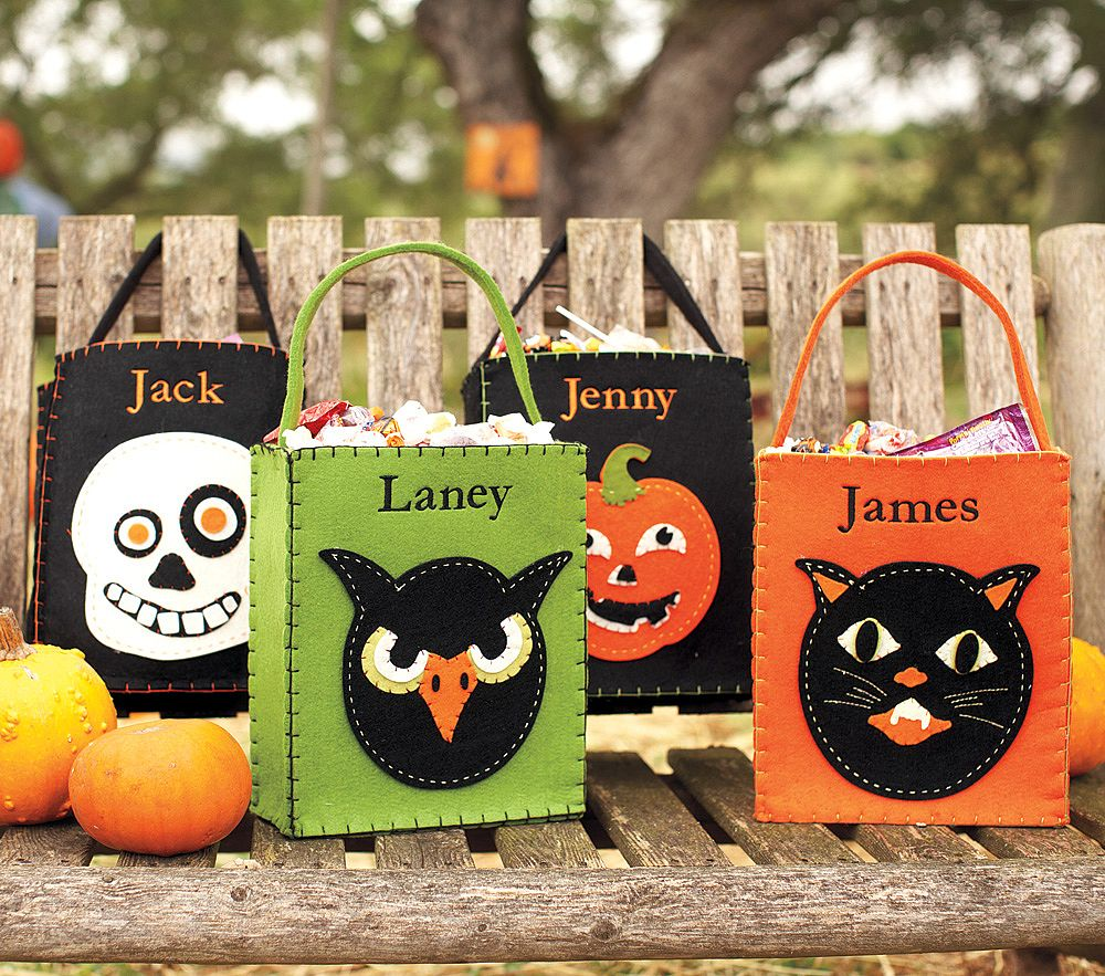 Simple Halloween Treat Bags — Crafthubs