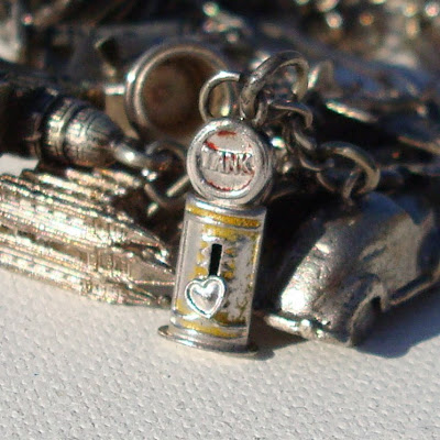 Collecting Vintage Charms and Trinkets - Charm Giveaway I 2 via lilblueboo.com