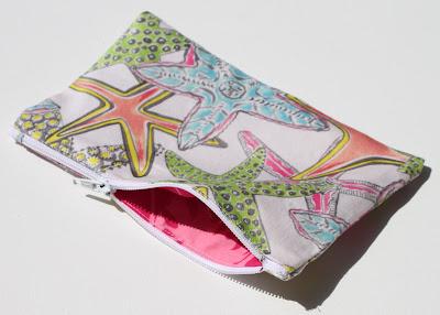 Little Lined Zipper Pouch via lilblueboo.com