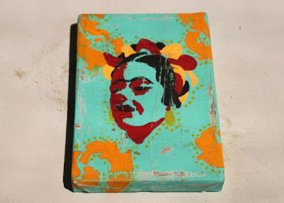How to make a distressed folk art-style painting. DIY tutorial at this stage via lilblueboo.com