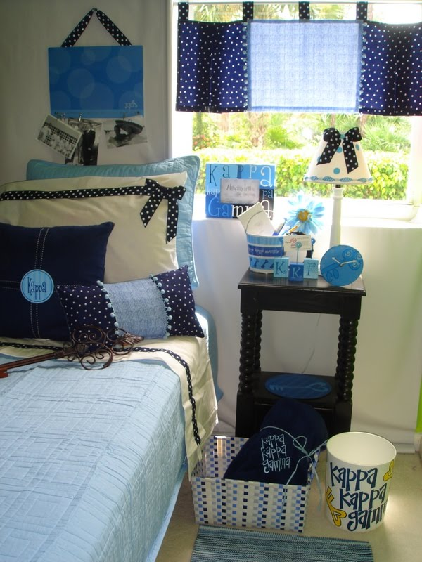 decor 2 ur door  kappa kappa gamma sorority dorm bedding
