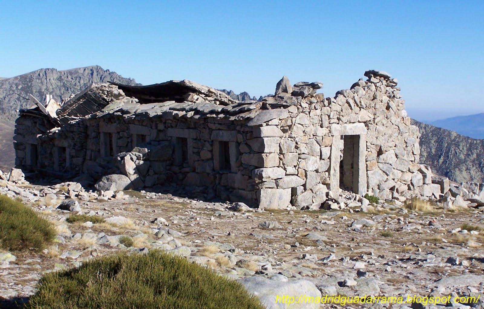 la sierra de gredos se encuentra enclavada en la comunidad autnoma de castilla y leon abundan los refugios la mayoria abandonados as como las cabras