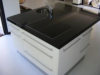 cuisine bain dressing parquet cuisine am ricaine avec ilot central. Black Bedroom Furniture Sets. Home Design Ideas
