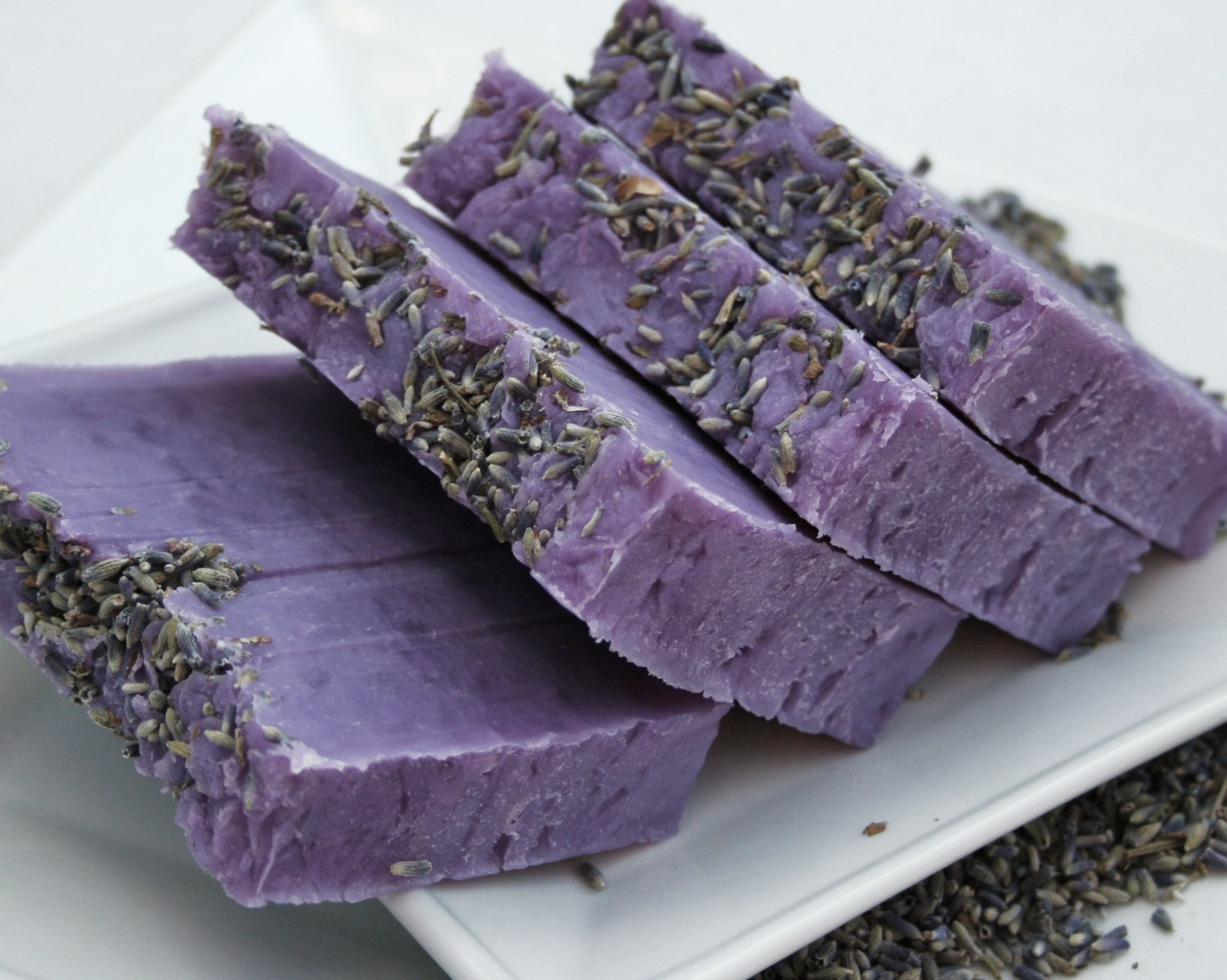 Bomboniere on pinterest magazine editorial lavender soap and bonsai - Homemade soap with lavender the perfect gift ...