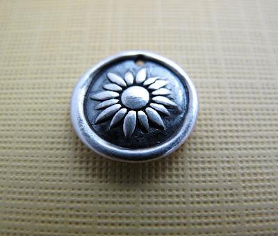 silver daisy flower charm bracelet jewelry