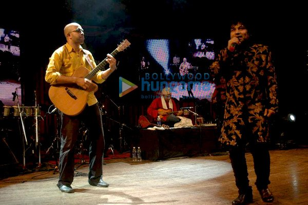 Kailash Kher Performs at Sangit Kala Kendra Event