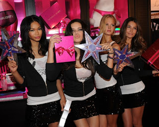 Victoria's Secret Models promoting in SoHo/></a></div></span> <div class='similiar'> <div class='widget-content'> <h3>Don't Miss it</h3> <div id='data2007'></div><br/><br/> <script type='text/javascript'>  var homeUrl3 =