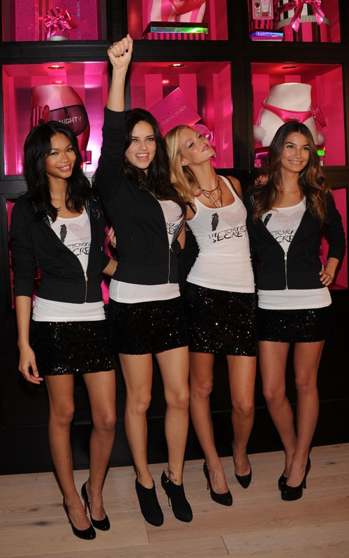 Victoria's Secret Models promoting in SoHo