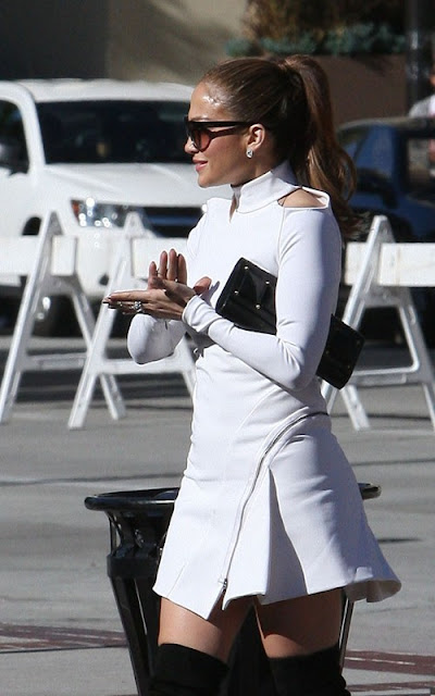 Jennifer Lopez out for the official start of American Idol Hollywood Week