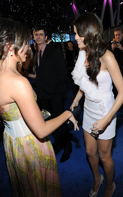 Selena Gomez at the 2011 People's Choice Awards