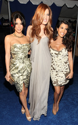 Kardashian gals at the 2011 People's Choice Awards