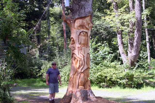 Tree creations by jim rourke big chainsaw carved oak totem