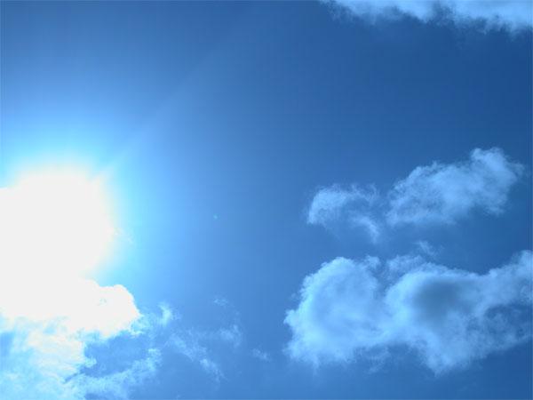 http://3.bp.blogspot.com/_0N4Jn_mwV_k/TQtvxfrScSI/AAAAAAAABBM/NtvsbJjptB8/s1600/ciel_bleu.jpg