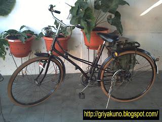 Sepeda Mesin Mobillete - Graffiti Graffiti