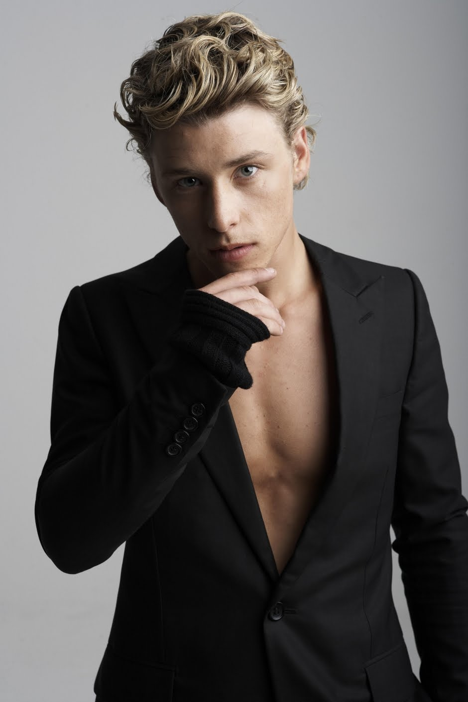 Mitch Hewer (born 1989)