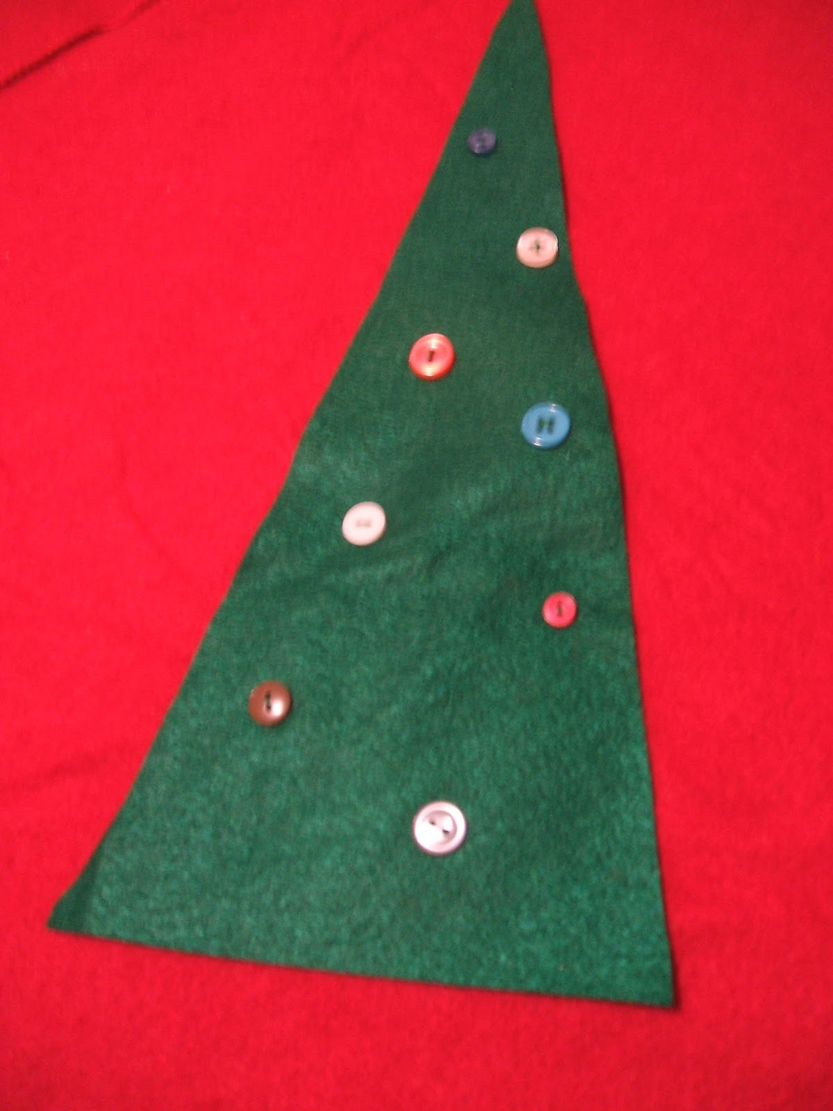 free scalloped christmas tree skirt tutorial peek a boo pages