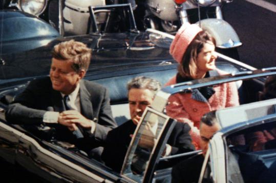 http://3.bp.blogspot.com/_0OfuYBJa3Lg/TP1gRAuDy_I/AAAAAAAAGW4/15H0qhLaZtE/s1600/JFK+SHOT.jpg