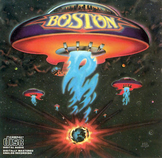 caratula frontal, Boston 1976, disco debut, portada de Roy Huyssen, ovni