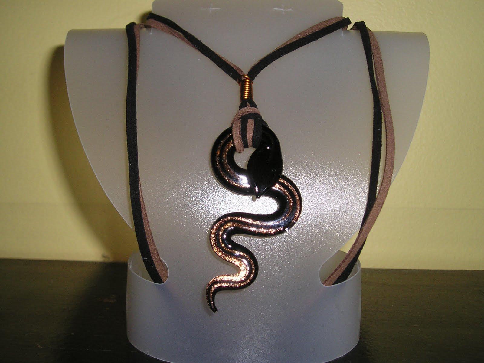 bijoux chatouille collier serpent. Black Bedroom Furniture Sets. Home Design Ideas