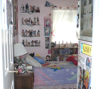 girl otaku 39 s room somewhat reflects what kind of girl otaku she is
