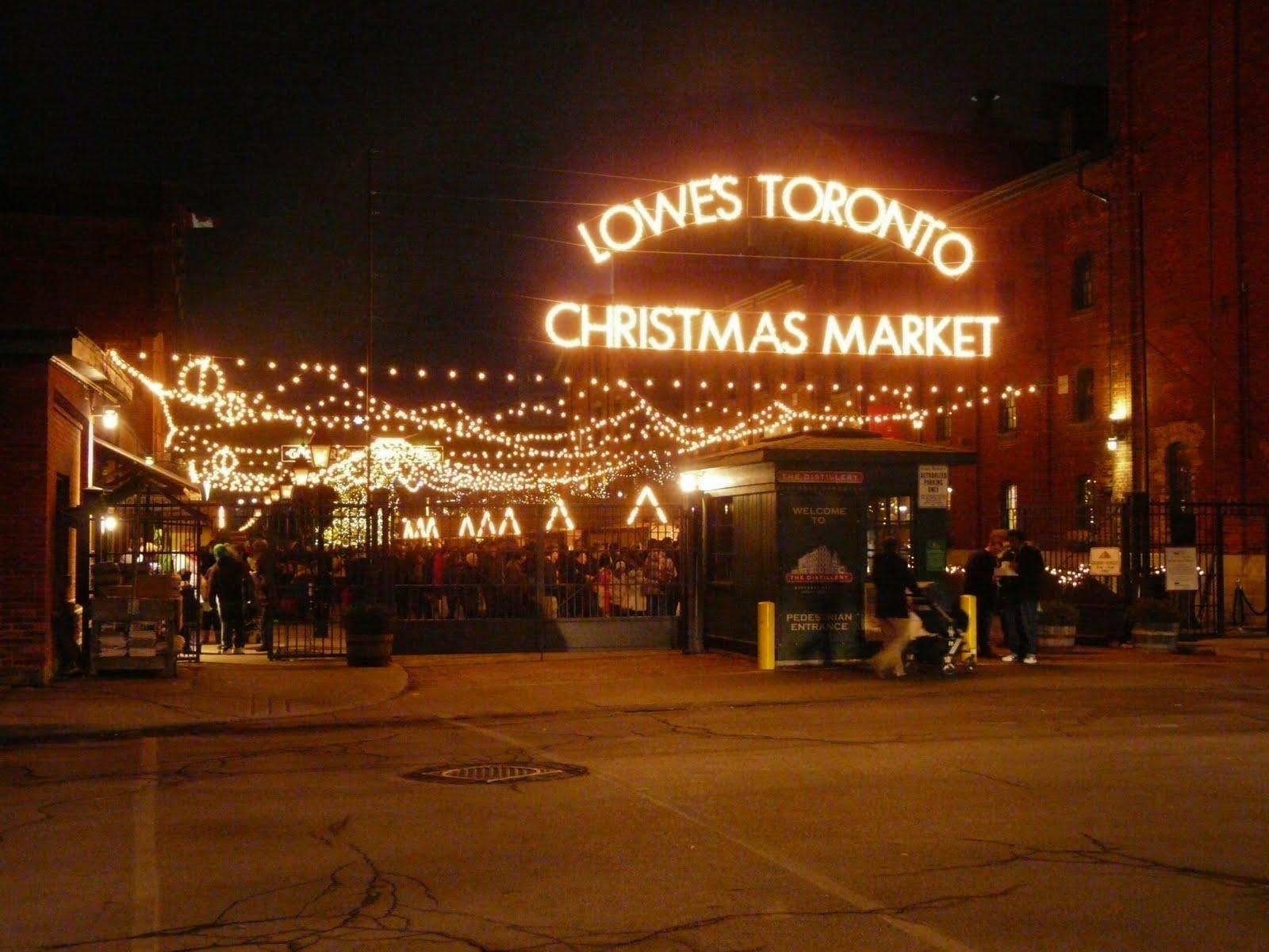 Groovy Moments: Toronto Christmas Market