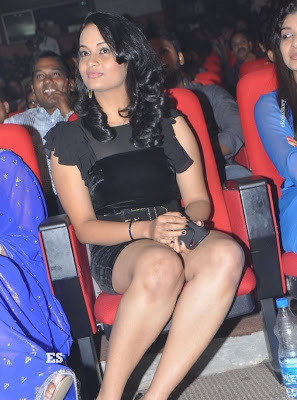Suja Hot Stills at Nagavalli Audio Launch glamour images