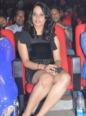 Suja Hot Stills at Nagavalli Audio Launch navel show