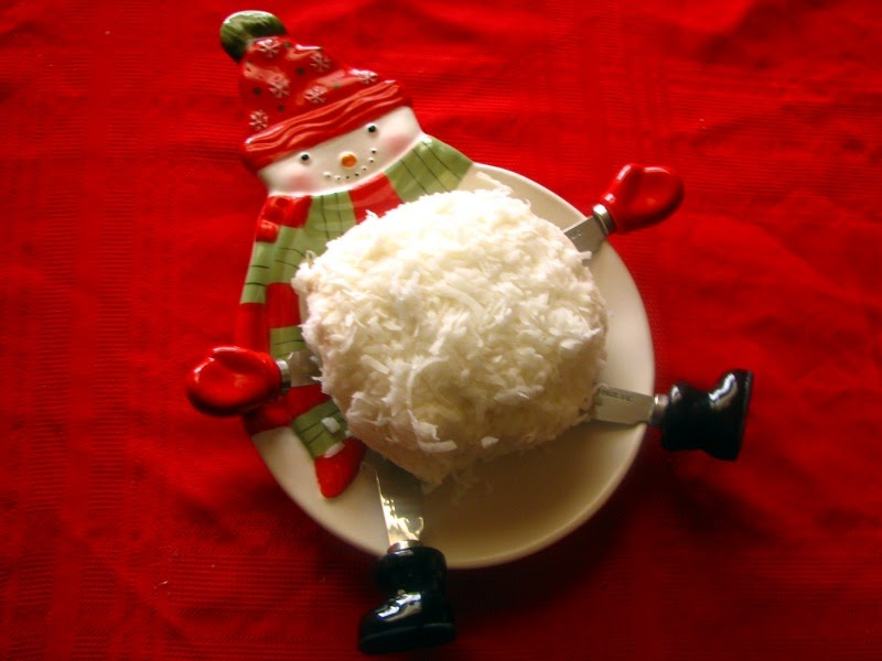 Mary Ann's House: Coconut Snow Ball