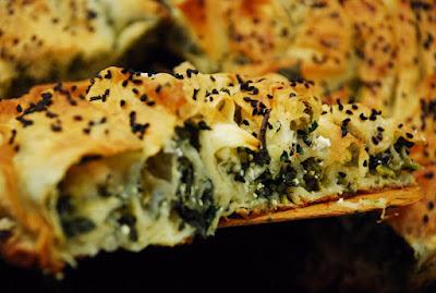 Ispanaklı Peynirli Yufka Böreği